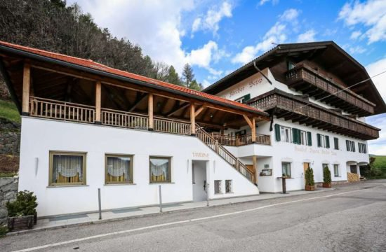 gasthof-kircher-sepp-barbiano-val-isarco-south-tyrol (16)